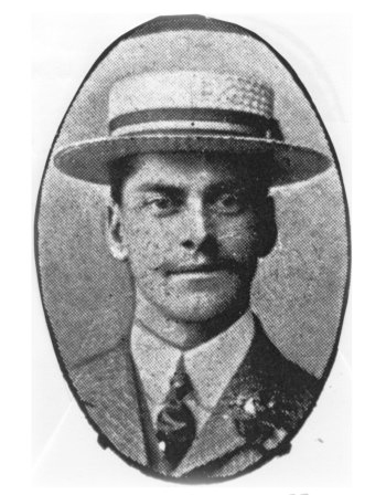 W Huddleston, professional, 1906